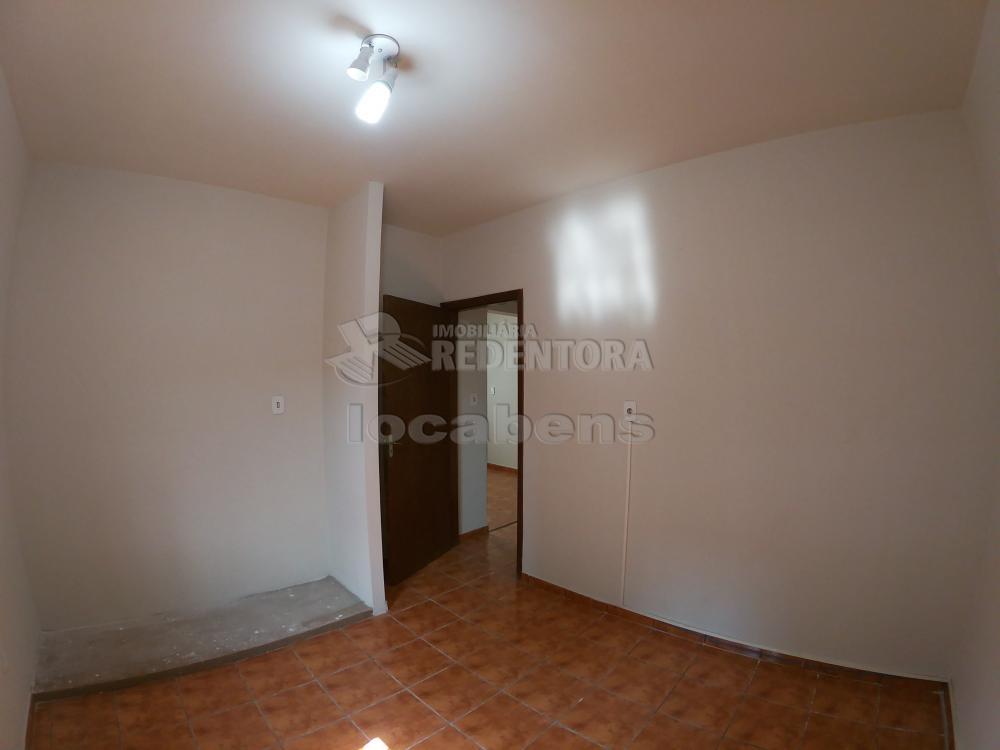 Alugar Casa / Padrão em São José do Rio Preto R$ 1.800,00 - Foto 10