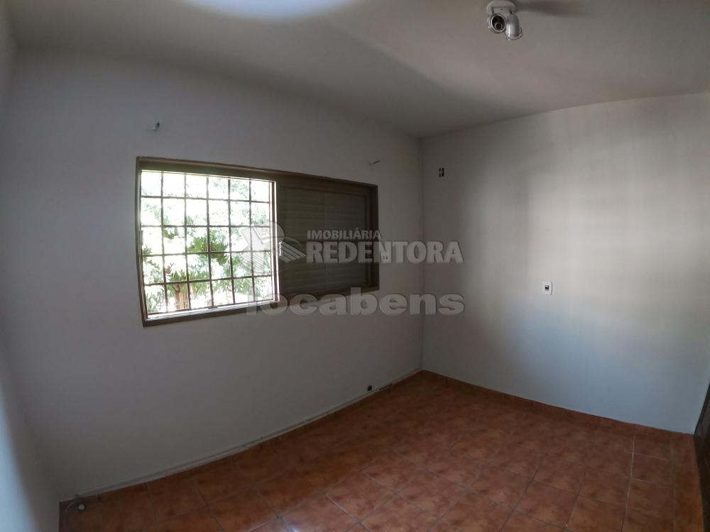 Alugar Casa / Padrão em São José do Rio Preto R$ 1.800,00 - Foto 15