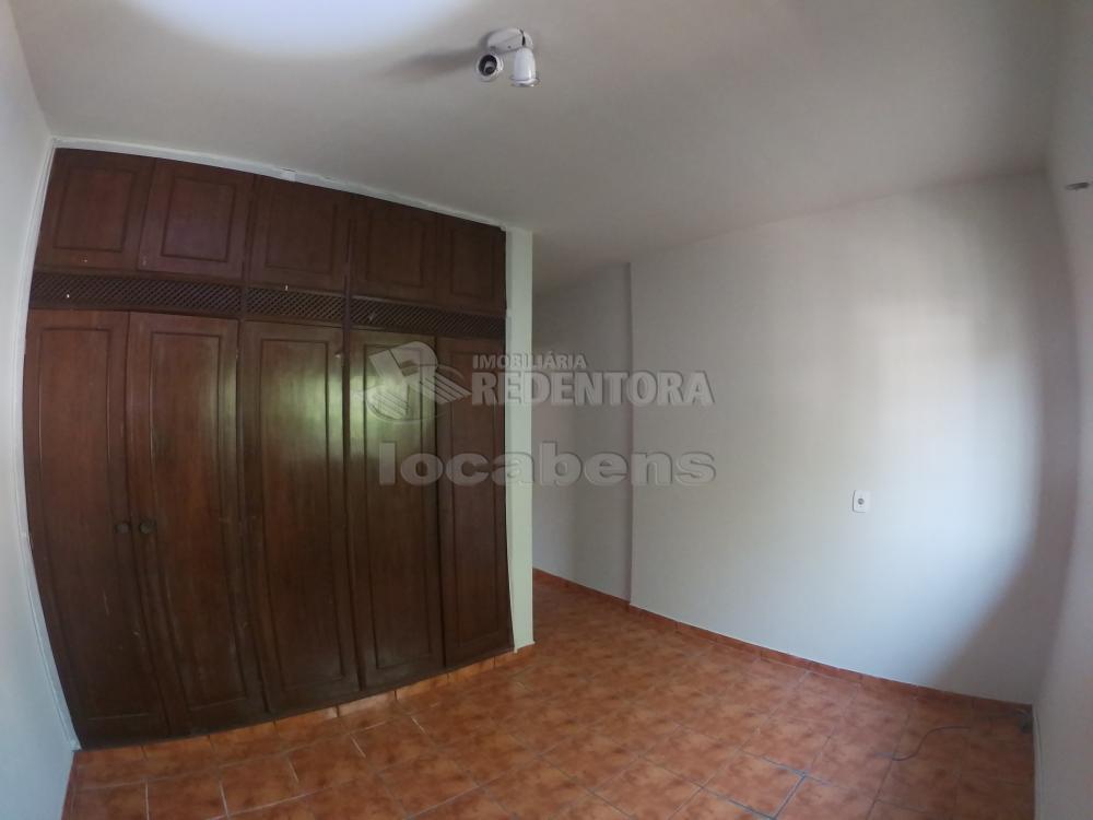 Alugar Casa / Padrão em São José do Rio Preto R$ 1.800,00 - Foto 17
