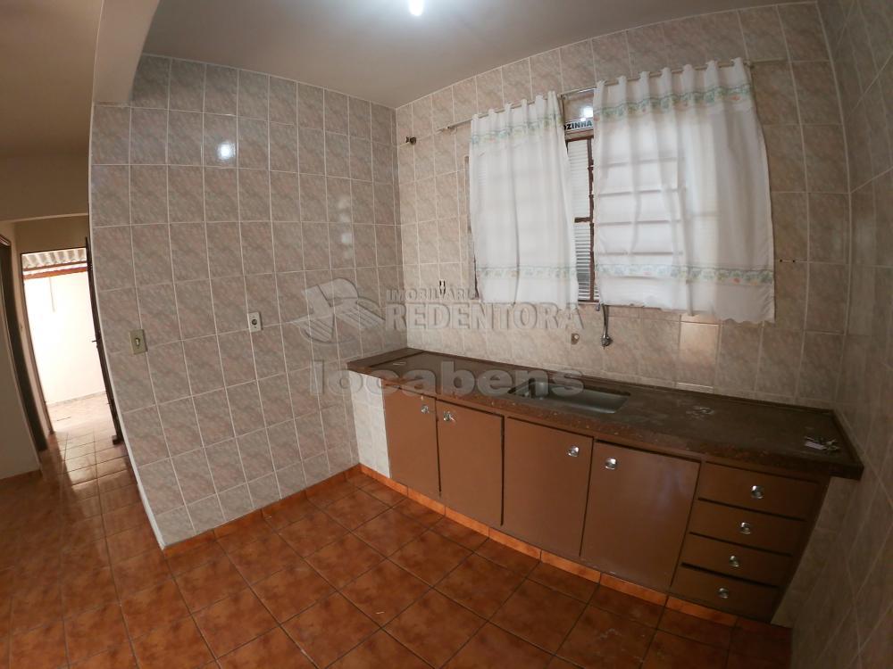 Alugar Casa / Padrão em São José do Rio Preto R$ 1.800,00 - Foto 21