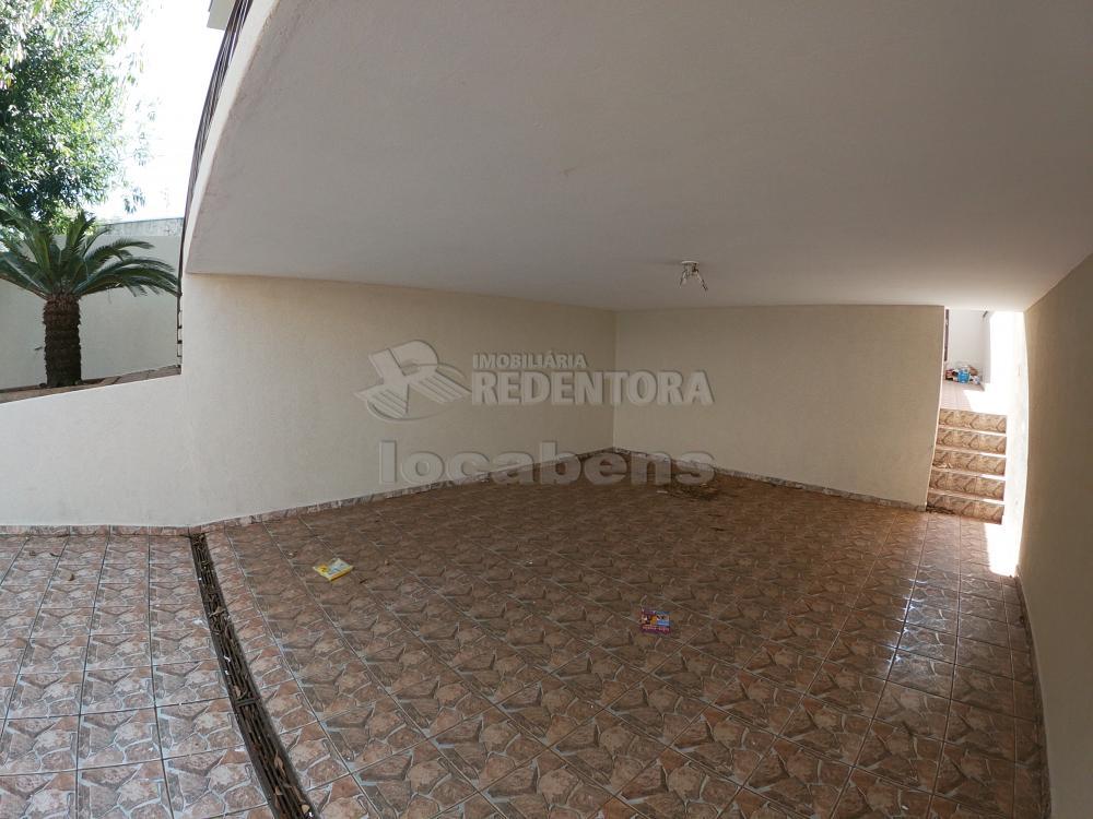 Alugar Casa / Padrão em São José do Rio Preto R$ 1.800,00 - Foto 32