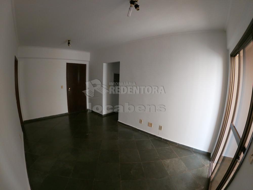 Alugar Apartamento / Padrão em São José do Rio Preto R$ 700,00 - Foto 4