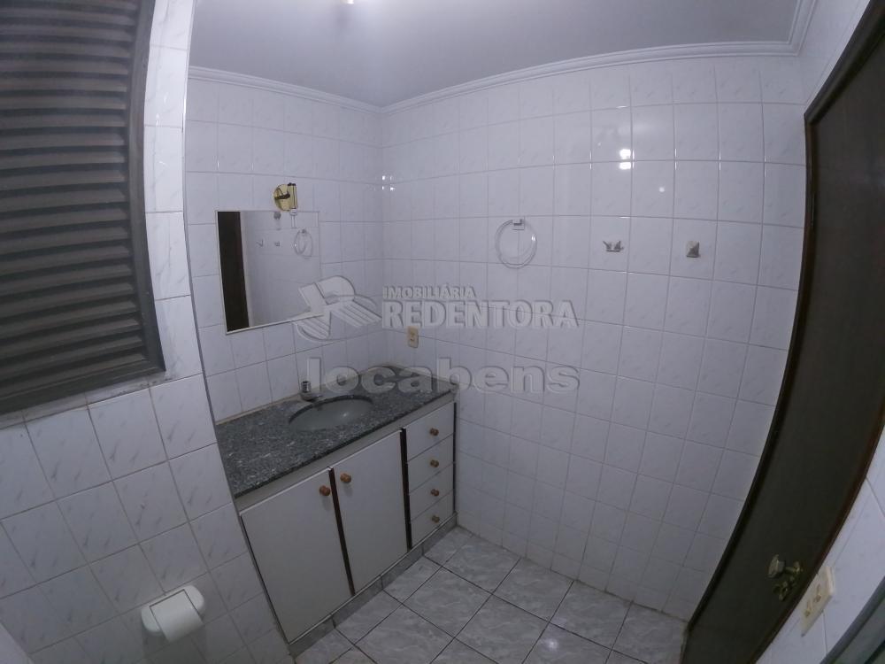 Alugar Apartamento / Padrão em São José do Rio Preto R$ 700,00 - Foto 9