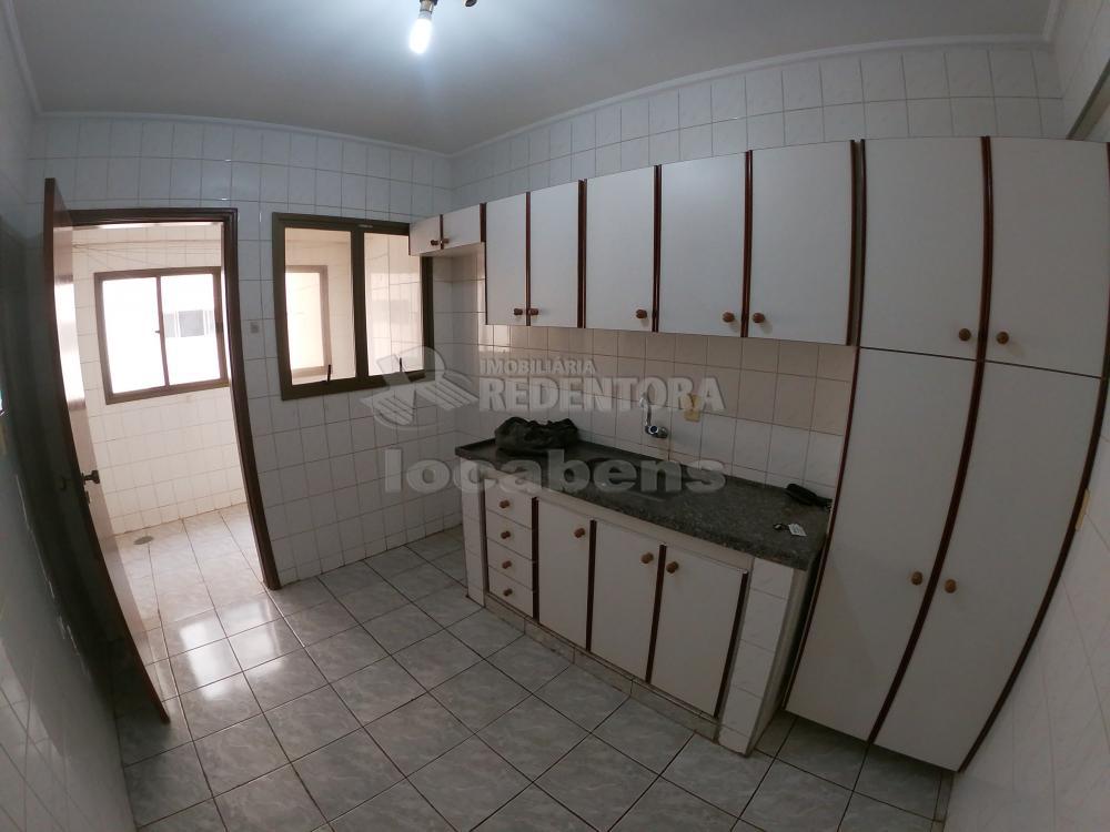 Alugar Apartamento / Padrão em São José do Rio Preto R$ 700,00 - Foto 12