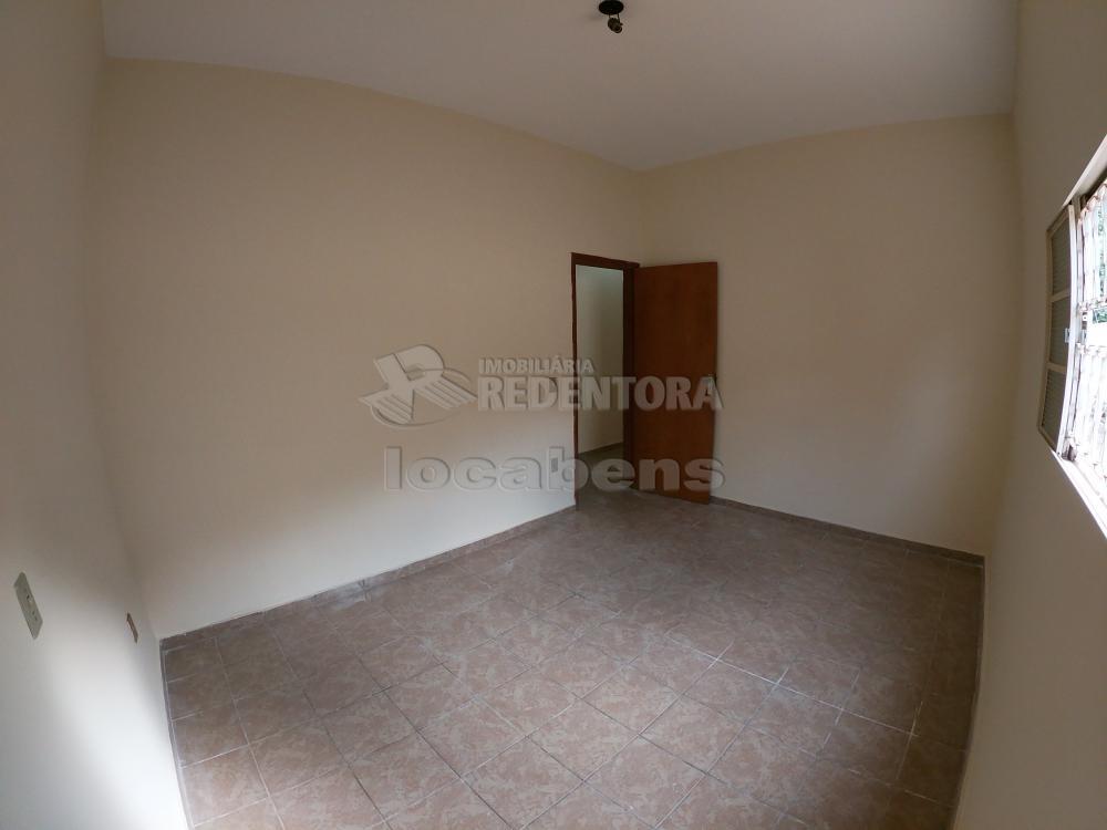 Alugar Casa / Padrão em São José do Rio Preto R$ 1.300,00 - Foto 13
