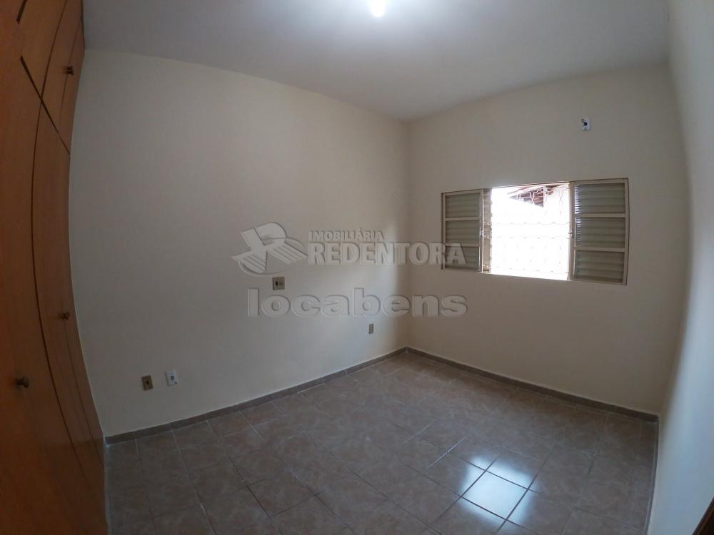 Alugar Casa / Padrão em São José do Rio Preto R$ 1.300,00 - Foto 14