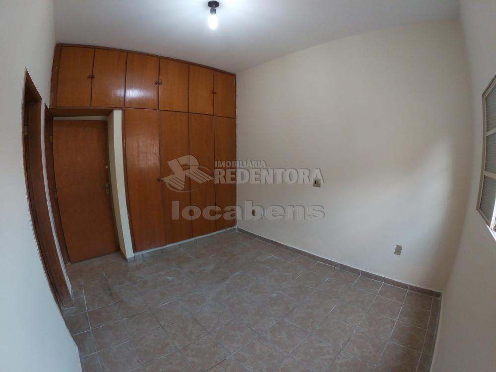 Alugar Casa / Padrão em São José do Rio Preto R$ 1.300,00 - Foto 15