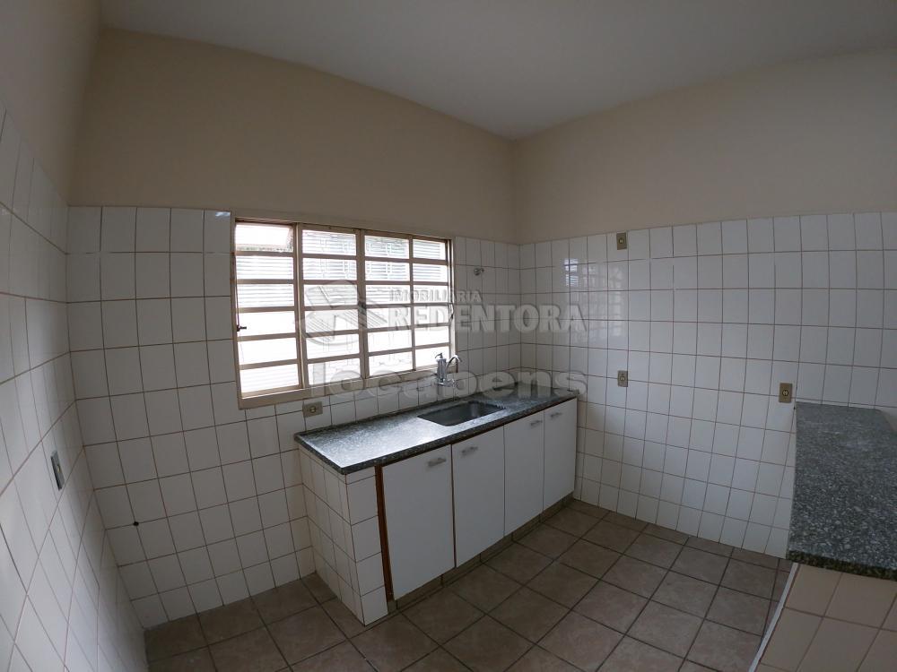 Alugar Casa / Padrão em São José do Rio Preto R$ 1.300,00 - Foto 21
