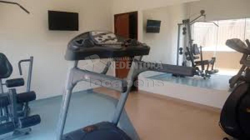 Comprar Apartamento / Flat em São José do Rio Preto R$ 300.000,00 - Foto 24