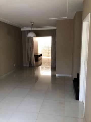 Alugar Casa / Condomínio em São José do Rio Preto R$ 2.100,00 - Foto 1