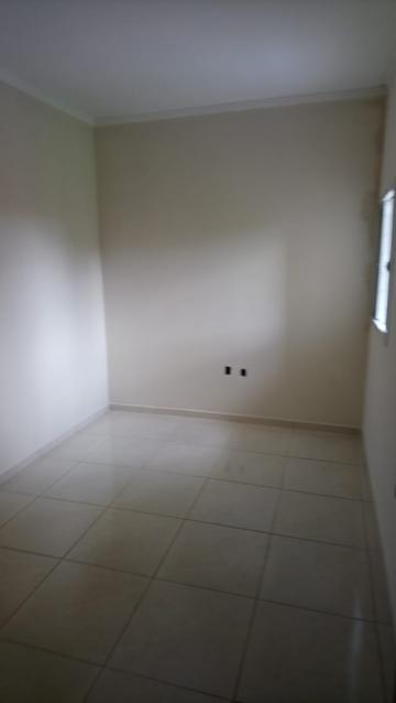 Alugar Casa / Padrão em São José do Rio Preto R$ 600,00 - Foto 10
