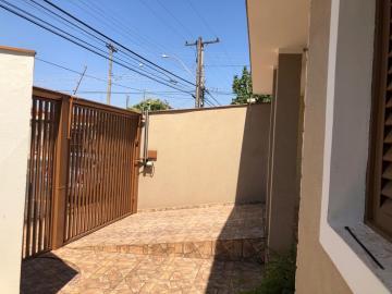 Alugar Casa / Padrão em São José do Rio Preto R$ 1.700,00 - Foto 18