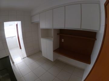 Alugar Apartamento / Padrão em São José do Rio Preto R$ 1.600,00 - Foto 4