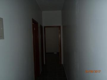 Alugar Casa / Padrão em São José do Rio Preto R$ 1.200,00 - Foto 4