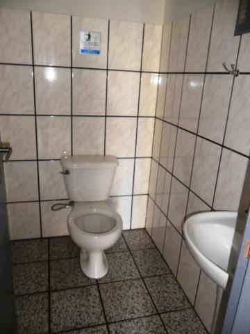 Alugar Casa / Padrão em São José do Rio Preto R$ 1.300,00 - Foto 12