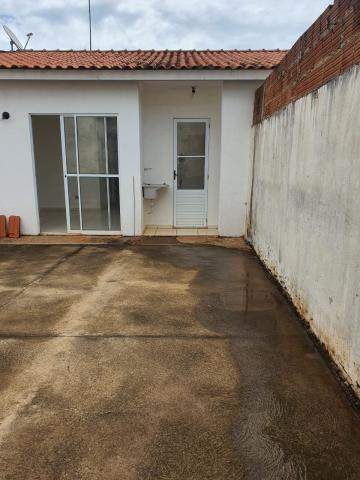 Alugar Casa / Condomínio em São José do Rio Preto R$ 1.100,00 - Foto 6