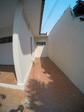 Alugar Casa / Padrão em São José do Rio Preto R$ 1.500,00 - Foto 3