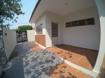 Alugar Casa / Padrão em São José do Rio Preto R$ 1.500,00 - Foto 4