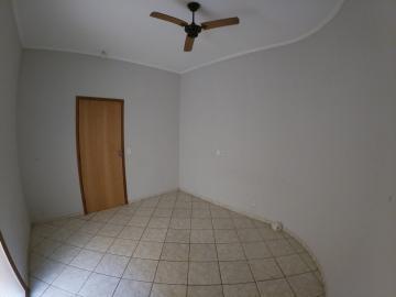 Alugar Casa / Padrão em São José do Rio Preto R$ 1.000,00 - Foto 9