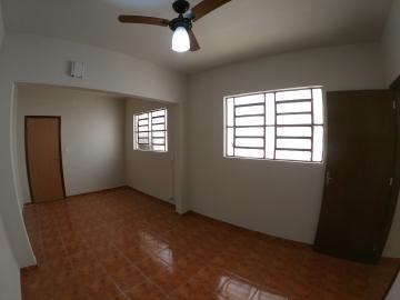 Alugar Casa / Padrão em São José do Rio Preto R$ 1.800,00 - Foto 5