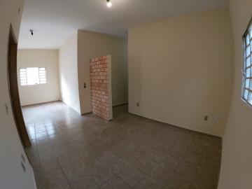 Alugar Casa / Padrão em São José do Rio Preto R$ 1.300,00 - Foto 4