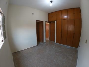 Alugar Casa / Padrão em São José do Rio Preto R$ 1.300,00 - Foto 16